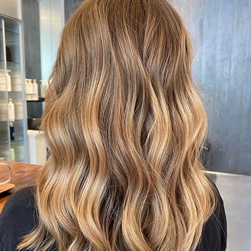 hair-trends-2021-holiday-hair
